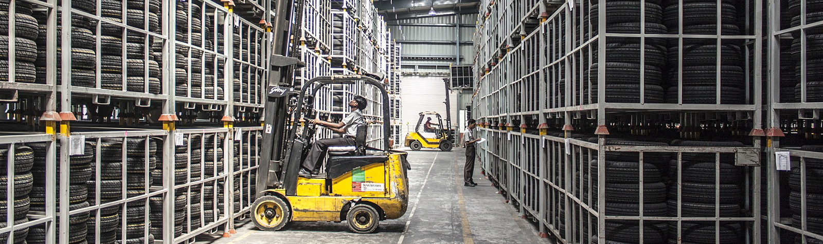 How Music Improves Warehouse Productivity